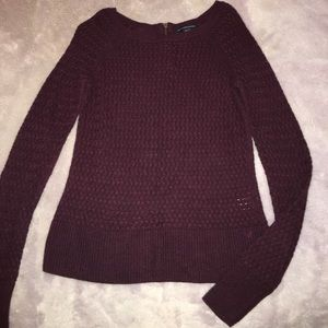 Maroon American Eagle thin knit sweater